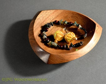 Bonham Valet, tray, platter, catch-all, dish; rosewood with spalting