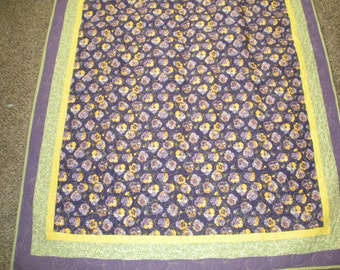 Quilted Pansy Throw