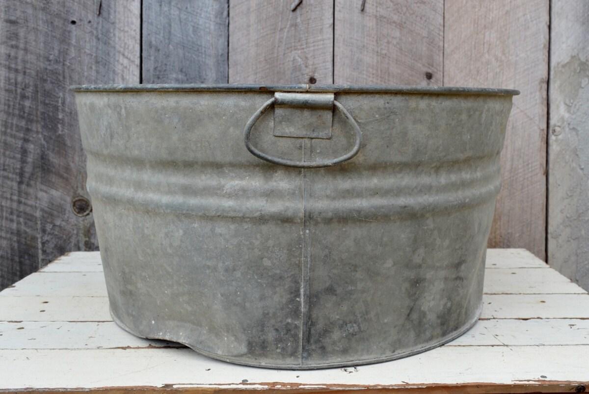Vintage round metal wash tub galvanized handles rustic for Large metal wash tub
