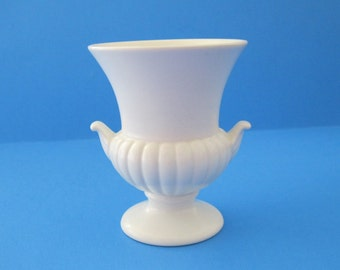 Wedgwood Bone China Mini Bud Vase Rare Unpainted Made in England Small Urn -FL