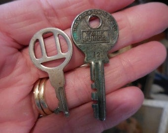 Vintage Silver Small Tiny Keys Set of (2) Two For Steampunk/Jewelry/Recycle/Reuse/Repurpose