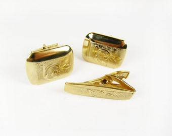 Vintage Cufflink and Tie Clip Set with Faux Pearls in Gold Tone / Vintage Wedding Cufflink Set - Boutons de Manchette.