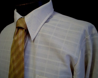"70s 15 1/2"" Manhattan Polyester Knit Big Collar Shirt Beige & Stratford Silk Gold Tie"