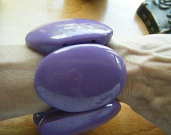Bold Lavender Stretch Bracelet//Purple Oval Jewlery