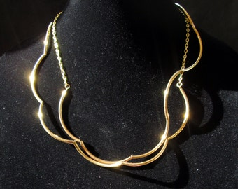 Gold minimalist necklace, modern long gold tone wavy minimal necklace choker or wrap bracelet