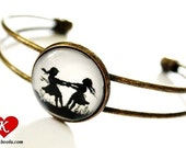 Dancing Sisters Silhouette Bracelet Bangle bronzecolored - special gift friend sister twin