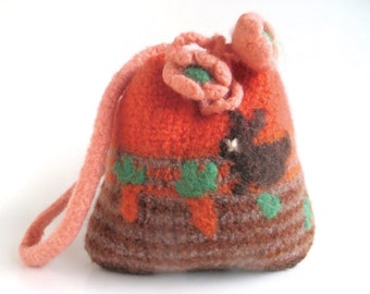 """Felt bag/pouch """"Bunny"""", pure wool, knitted, felted, apricot, peach, chocolat, hazel, dun, orange, green, rabbit, carrot, OOAK, one of a kind"""