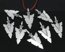 "10 Silver Metal ARROWHEAD Arrow Charm Pendants, 1-1/4"" x 5/8"",  chs1732"