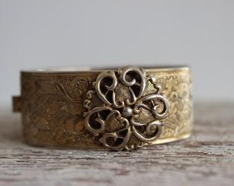 Victorian Floral Bracelet / Agnes Gold Tone Bracelet