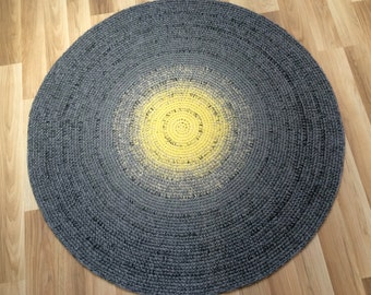 Beautiful hand crocheted round rug, 45'' in diameter, made to order