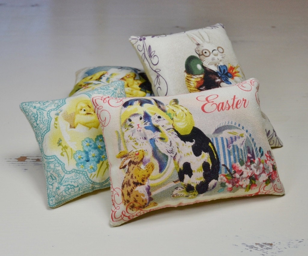 Decorative Pillows For Easter : Easter Decorative Pillows Retro Bowl Fillers Easter Bunny