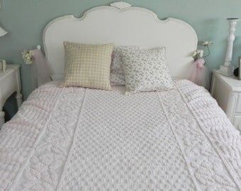 Vintage Pink Chenille Twin Bedspread - Shabby Chic Bedroom