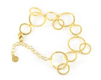 Delicate Gold Hoops Hammered Link Bracelet, link bracelet, delicate bracelet, gold bracelet, bracelet gold, gold wedding bracelet