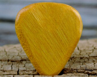 how to make guitar picks out of wood