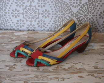 Vintage 1980's Vaneli Multicolor Slip On Shoes with Stacked Wood Heel Size 5.5 M
