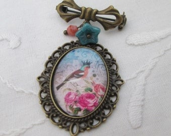 Bowknot brooch chaffinch crown pink roses retro