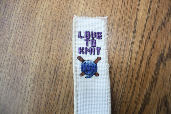 Knit Stitch Bookmark : Knit lovers cross stitch bookmark