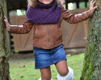Toddler crochet cowl , toddler neckwarmer , crochet scarf , girls crochet cowl , hood , neckwarmer , infinity scar , crochet infinity scarf