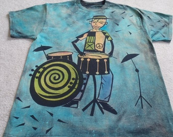 Abstract drummer, cute dog knocking over the snare drum & cymbals, man's XL discharge t-shirt with dyes, check measurements, small4size