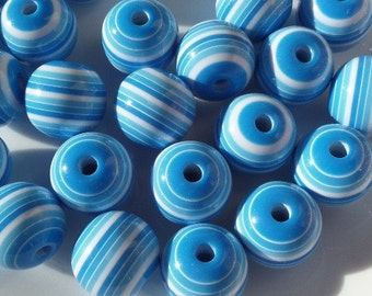 10CT, 20mm Chunky Blue and White Pin Striped Beads for Spring, F13