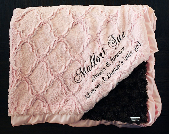 Minky Blanket, Blanket with Embroidery, Blanket with Name, Engraved blanket, Pink and Brown, Baby Girl, Baby Blanket, Pink and Chocolate