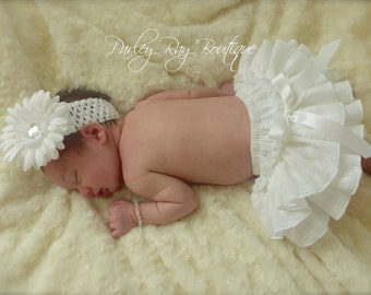 Beautiful Parley Ray Vintage White Eyelet Ruffled Diaper Cover/ Baby Bloomers/ Newborn Photo Prop
