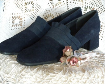 Vintage Blue Suede Shoes by STUART WEITZMAN Womens Shoes 1 and 1/2 Inch Heel Pump