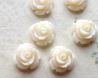 10 mm Milky White Color Garden Rose Resin Flower Cabochons (.tc)