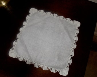 Hanky, Vintage Handkerchief, Linens, white handkerchief with embroidered edging