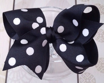 Girls hair bow Polka dot bow, girls hair clip, birthday gift, stocking stuffer, black bow, black polka dots bow, party favors
