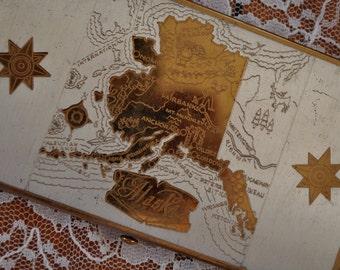 Alaska Souvenir Compact Cigarette Case/Vintage 1950s/Gold and Silver Tone Metal/Map of Alaska