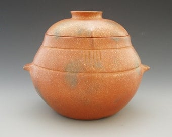4 1/2 Quart Micaceous Clay Bean Pot