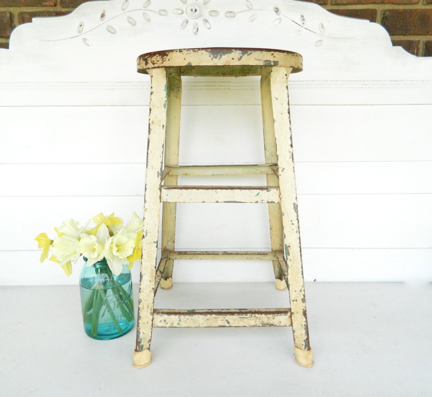 vintage stool metal shabby chic cream yellow by alwaysmaybevintage. Black Bedroom Furniture Sets. Home Design Ideas