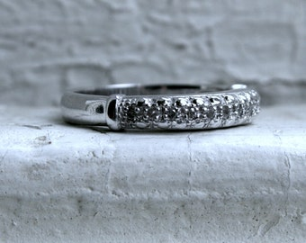 Vintage 14K White Gold Diamond Ring Wedding Band - 0.24ct.