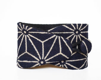 Obi bracelet Chiyoko- Japanese jewelry for your wrist,100% cotton.Japanese fabric cuff with traditional japanese pattern.Dark blue and white