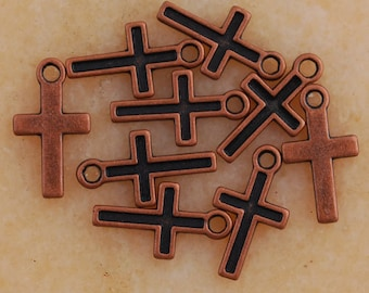 Cross Charms, 20 Charms, Antique Copper Tone Metal Crosses 15 x 8 mm - cg123