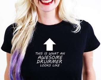 AWESOME  DRUMMER T-SHIRT Official Personalised This is What Looks Like band drum sticks