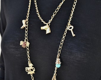 RUNWAY LONG CHARMS plated gold necklace