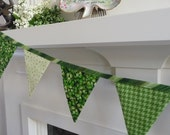 St. Patricks Day Bunting Party Decoration, St. Patricks Decor, Fabric Garland, Photo Prop, Irish Mantle Decor, Shamrock Bunting Banner