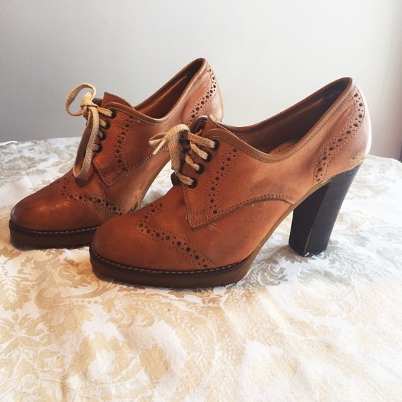 Cute Leather Shoes Wooden Heels Vintage Lace Up Seventies Sz 6
