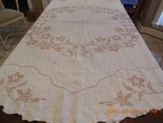 antique linen round tablecloth off white by savannahsecretcellar. Black Bedroom Furniture Sets. Home Design Ideas