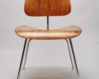 Eames dcm Chair, mid century modern Herman Miller.Restored. FREE SHIPPING