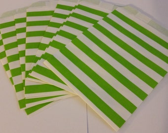 "25 Paper Treat Bags Green Stripes 5 ""x 7""  - Snack Bags  - Gift Goody Bag - Birthday Party - Baby Shower - Utensil Baggy - Popcorn - Wedding"