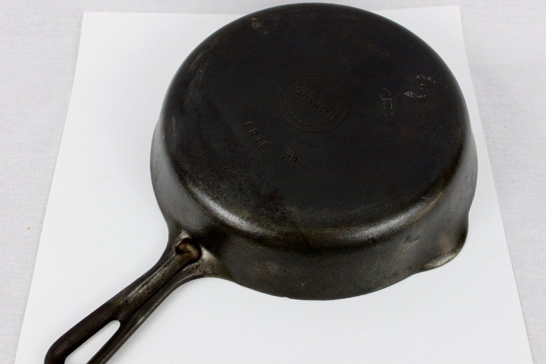 antique griswold cast iron skillet no 6 diameter cross. Black Bedroom Furniture Sets. Home Design Ideas