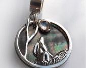 20mm Moon Gazing Hare Pendant, Sterling Silver, Black Lip Pearl, Custom made
