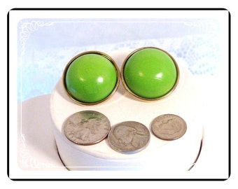 Neon Green Earrings - 1980s Vintage Round Domed Pierced Earrings E2248a-080712000