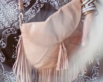 GYPSY SOUL. Fringe bag / fringe leather purse / fringe leather bag / leather crossbody bag / bohemian. Available in different leather color