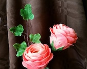 Gum Paste RANUNCULUS Flowers / Set of 2 with Ivy Greenery /  Edible  Cake and Cupcake Decorations