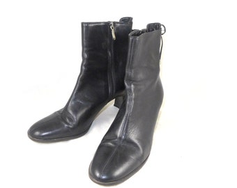 Black leather granny boots - lace up back victorian shoes - 6.5 M Italian made - bootie short side zip