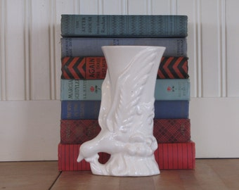 1940's Art Pottery Bird Vase, Bird, Vase, White, Ceramic, Pottery, Art Pottery, McCoy, Hull, Shawnee, Ohio Art Pottery